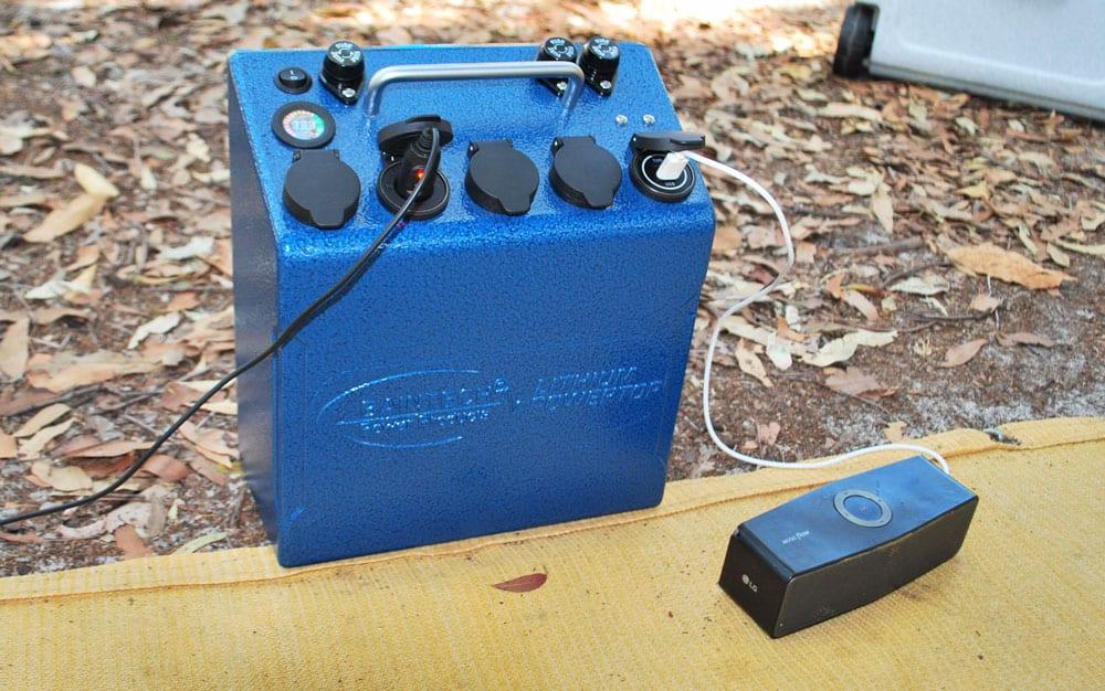 camping-off-grid-powertop-charging-50ah-lithium